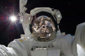 astronaut-877306_960_720
