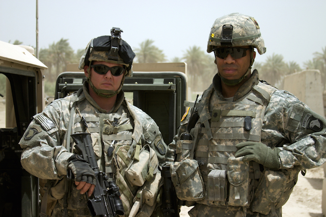 modern army soldiers